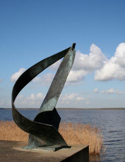 Thalassa, 425 cm, 1999. Opdracht: gemeente Huizen. Locatie: Gooimeerdijk, Huizen.